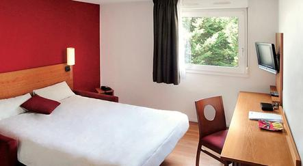 hotel bordeaux s jours et affaires yser. Black Bedroom Furniture Sets. Home Design Ideas