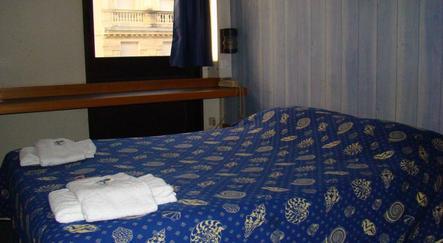 h tel stars bordeaux gare saint jean. Black Bedroom Furniture Sets. Home Design Ideas
