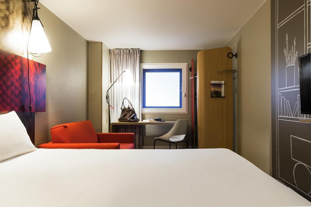 Hotel A Cote De L Aeroport De Bordeaux