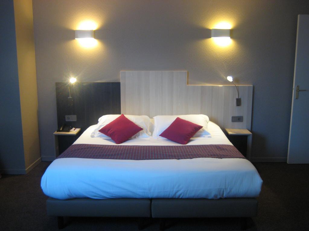 inter hotel alton bordeaux m riadeck 3 toiles. Black Bedroom Furniture Sets. Home Design Ideas